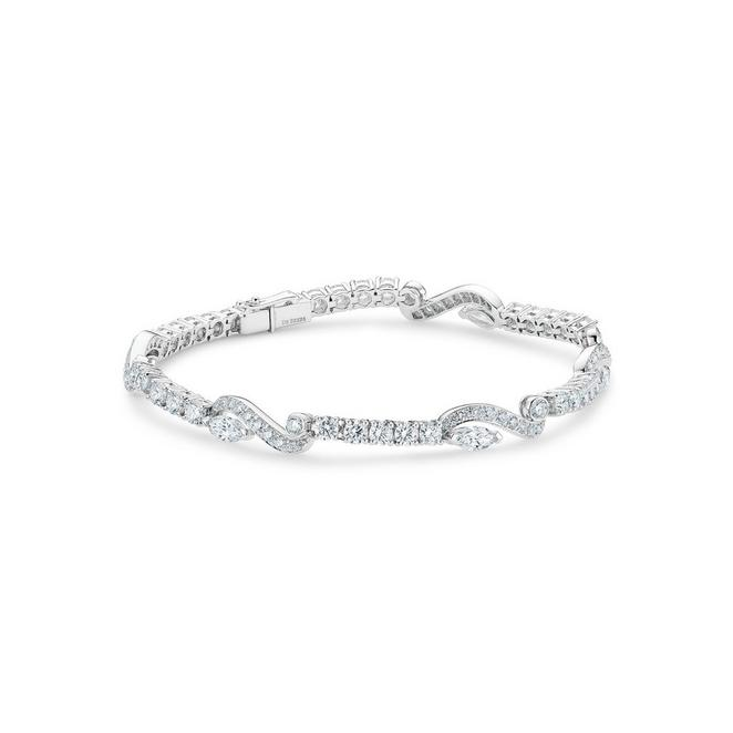 Adonis Rose one line bracelet in white gold