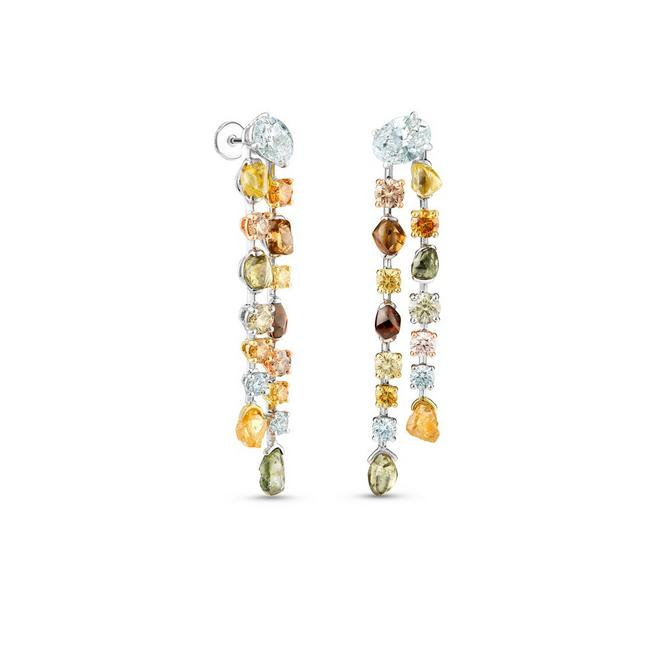 Talisman earrings in yellow gold and platinum