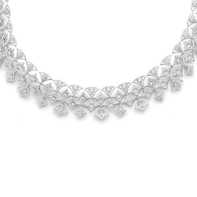Collier Radiating Lotus, Lotus by De Beers