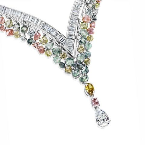 Portraits of Nature by De Beers, Knysna Chameleon necklace