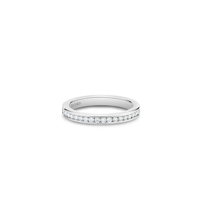 Channel-set half eternity band in platinum