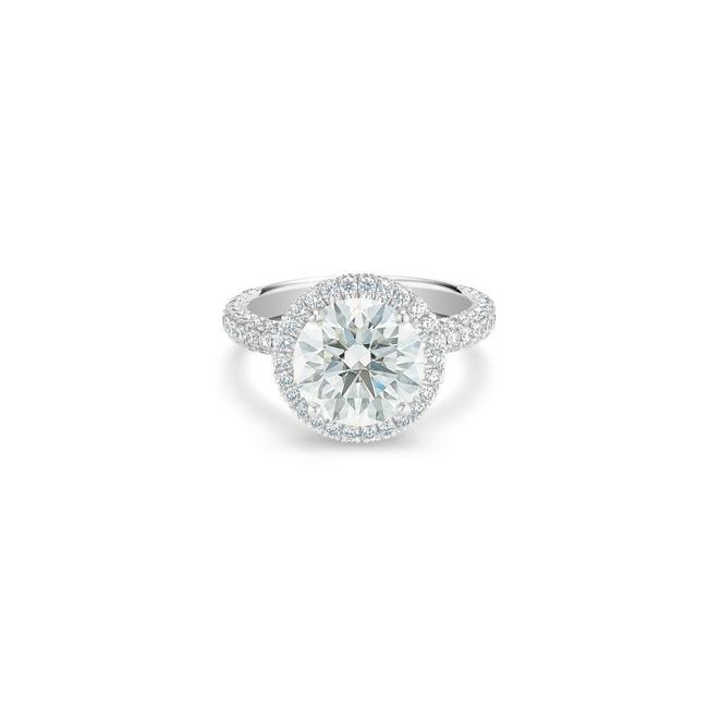 Aura round brilliant diamond ring