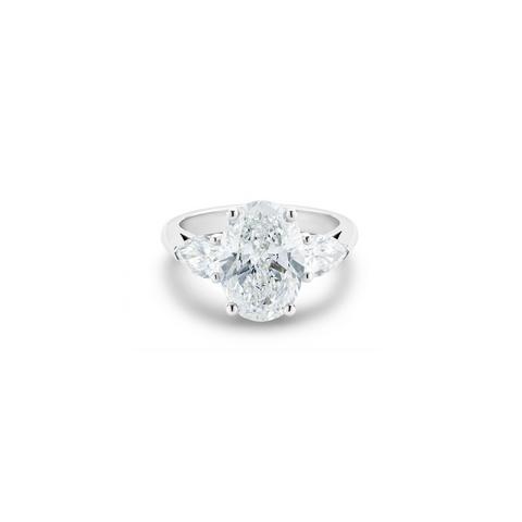 DB Classic高級珠寶鉑金橢圓形和梨形鑽石戒指