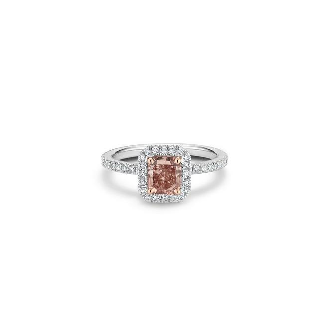 Solitaire Aura diamant fancy brownish pink taille radiant