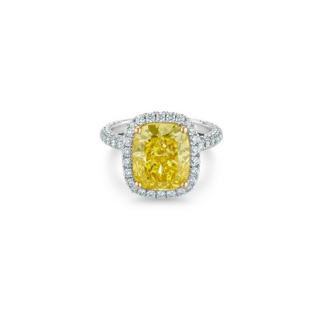 Aura fancy vivid/intense yellow cushion-cut diamond ring