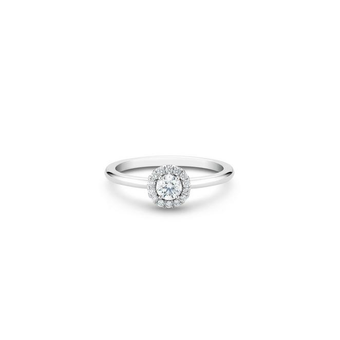 Aura round brilliant diamond ring in platinum