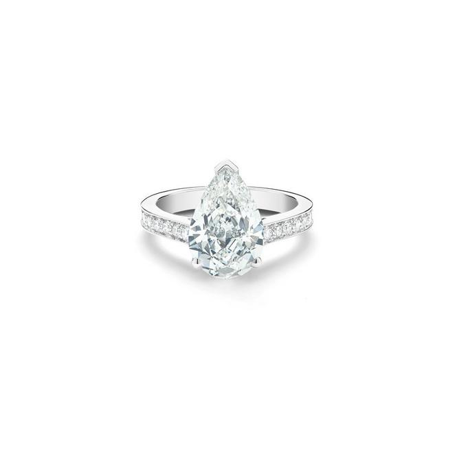 Old Bond Street pear-shaped diamond ring