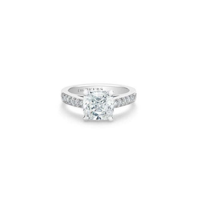 Old Bond Street cushion-cut diamond ring