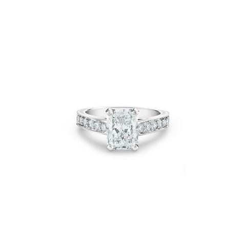 Old Bond Street radiant-cut diamond ring
