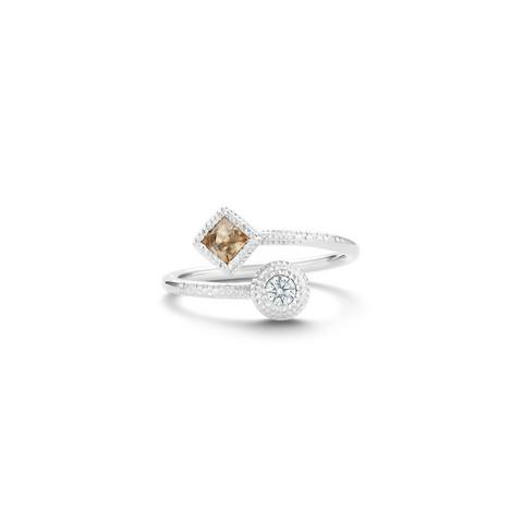 Talisman Essence ring in white gold