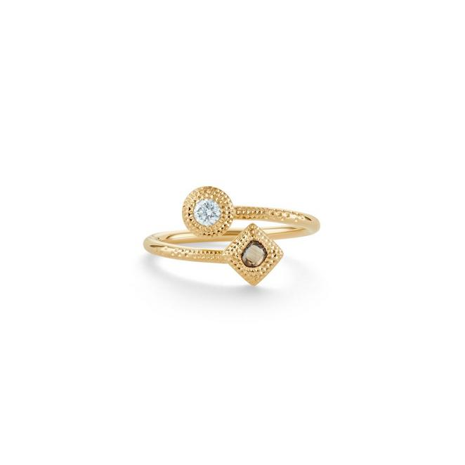 Talisman Essence ring in yellow gold