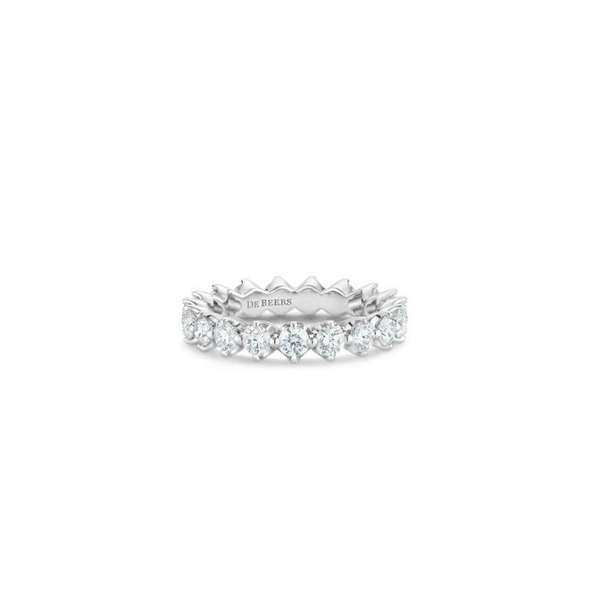 Allegria small eternity band in platinum