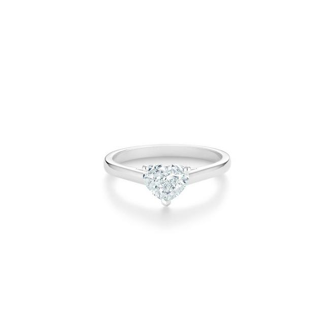 DB Classic heart-shaped diamond ring