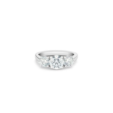 DB Classic trio round brilliant diamond ring
