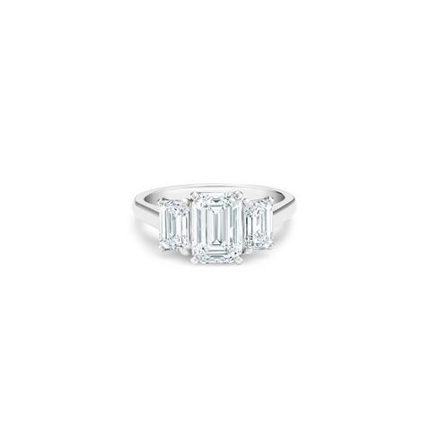 DB Classic鉑金祖母綠式三鑽戒指