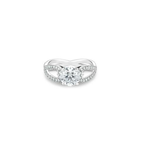 Infinity Heart round brilliant diamond ring