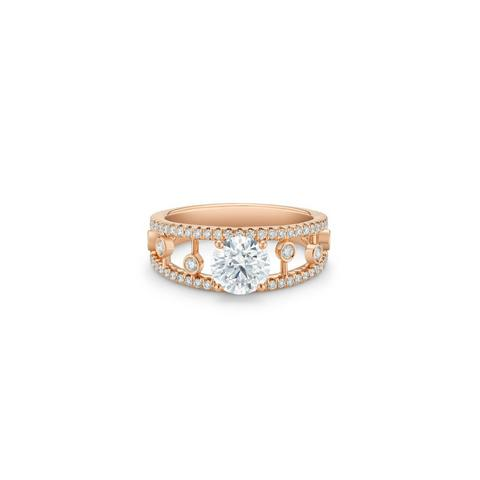 Dewdrop round brilliant diamond ring