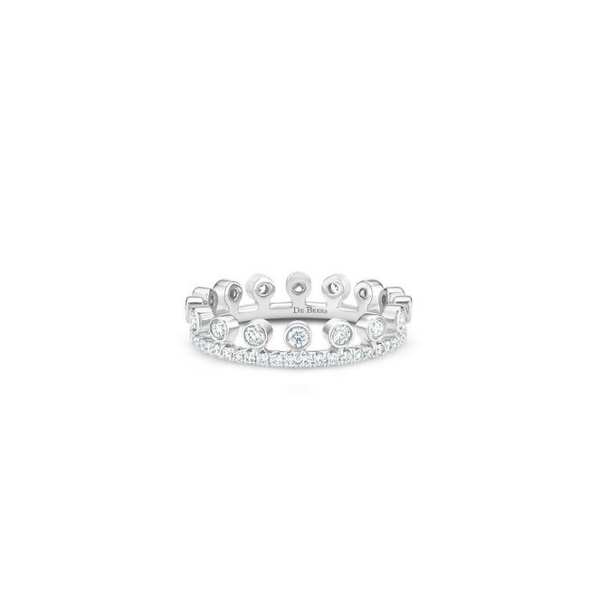 Dewdrop pavé ring in white gold