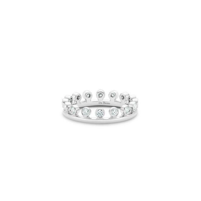 Dewdrop ring in white gold