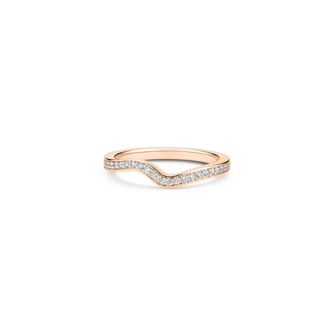 Caress band in rose gold