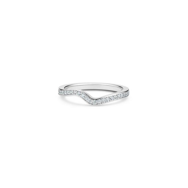Caress band in platinum