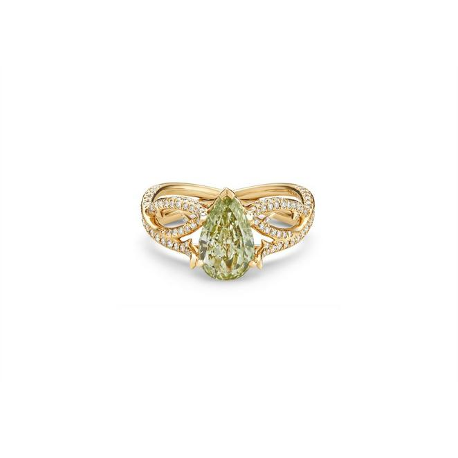 Volute fancy yellowish green pear-shaped diamond ring