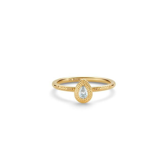 Talisman pear-shaped diamond yellow gold ring