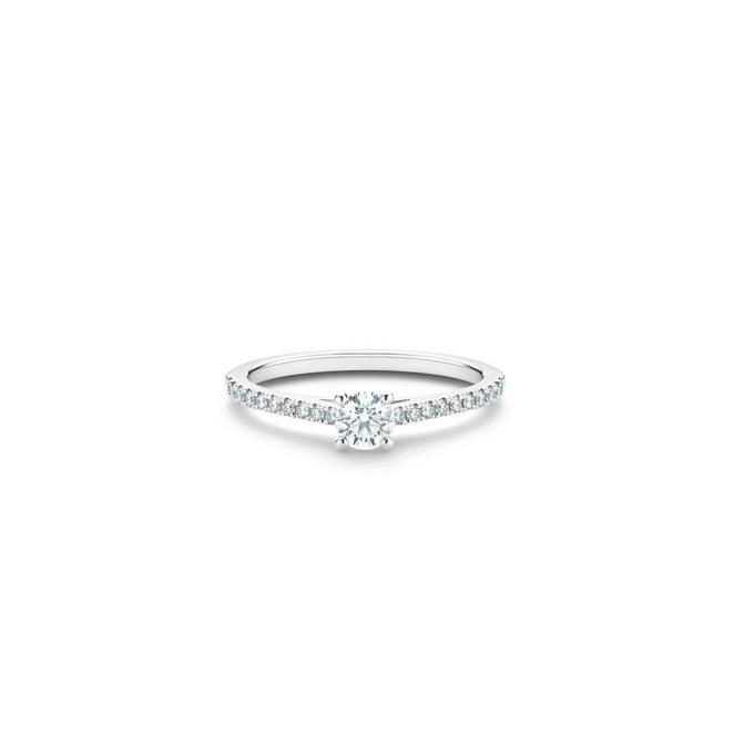 DB Classic Pavé round brilliant diamond ring in platinum