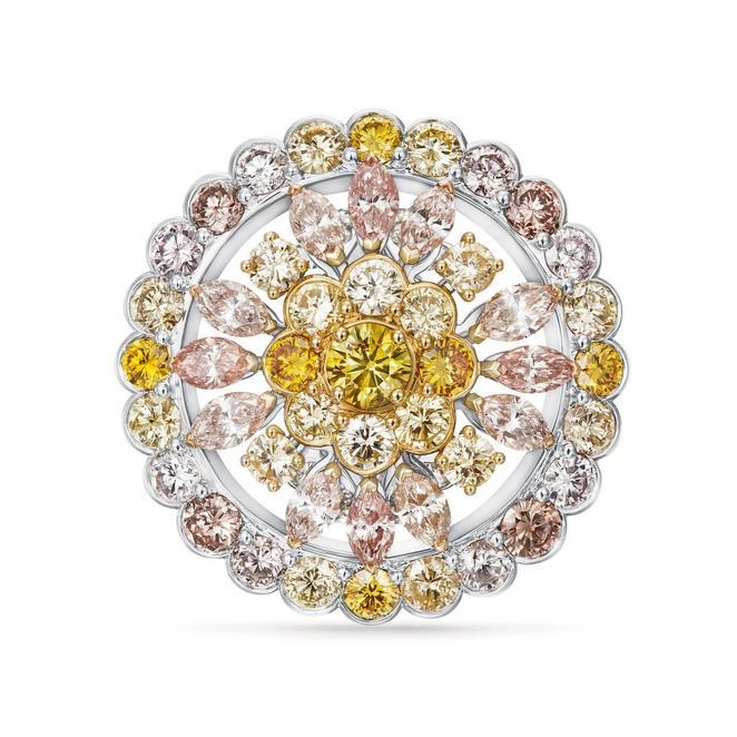Landers Radiance medallion yellow ring